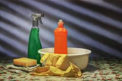 Три типа моющих средств для уборки