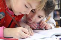 Пять интересных занятий с ребёнком дома